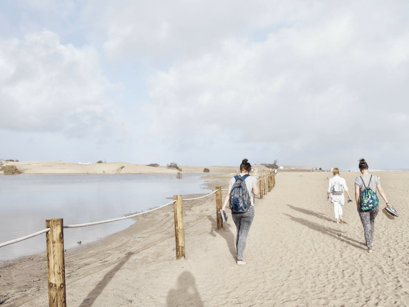 Gran Canaria Girls Surf Camps wydmy w Maspalomas