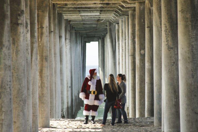 święty Mikołaj i surferki