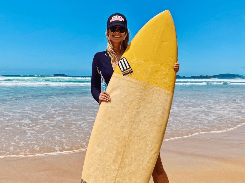 surferka Ola w Brazylii