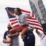 Carissa Moore pierwszą w historii mistrzynią olimpijską w surfingu – poznaj medalistki z Tokio
