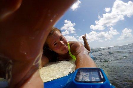 Blond Surf – historia Magdy, która mieszka w Australii i napisała książkę o surfingu